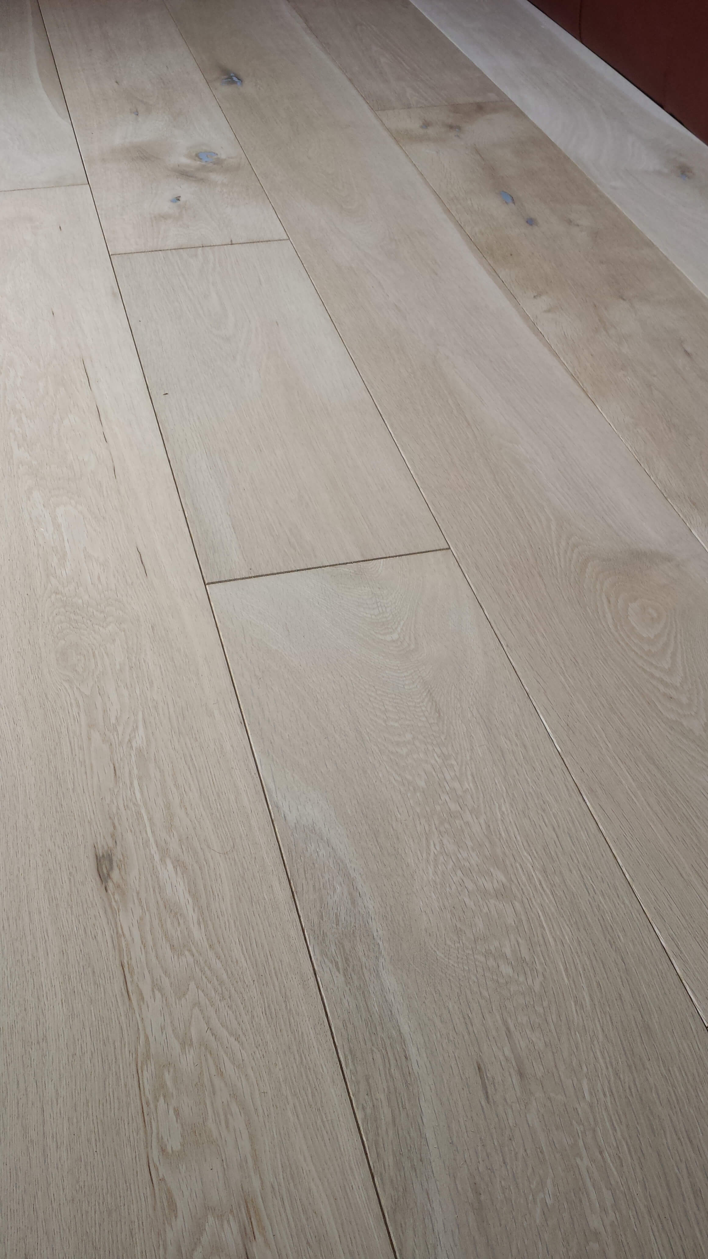 14mm Thick Country Engineered Oak Floorboards 180mm Wide