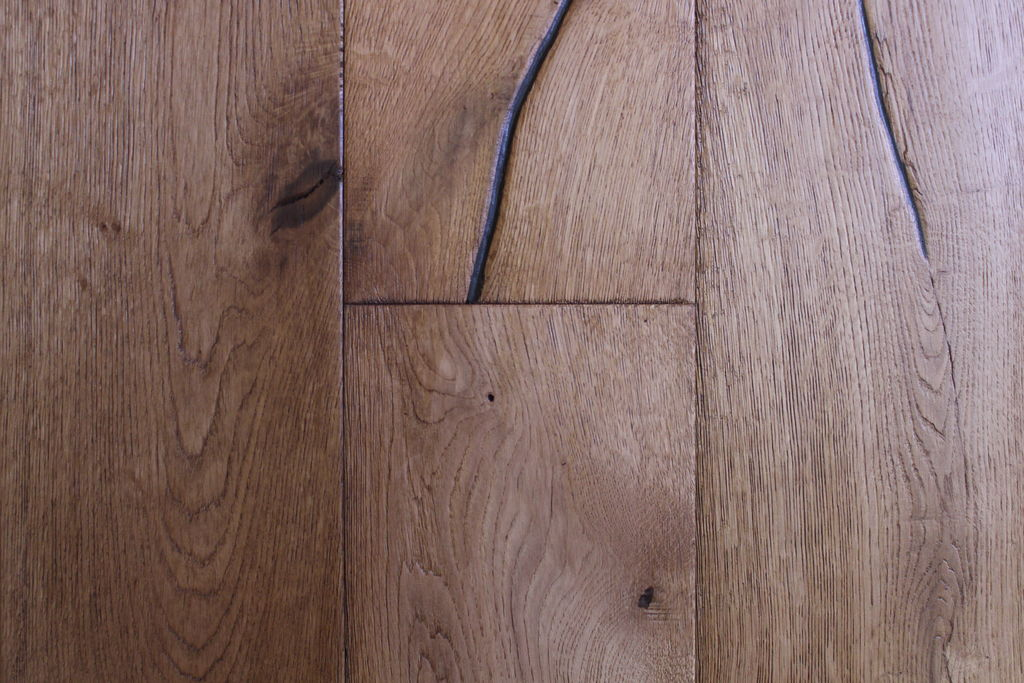 Brushed Textured Oak Flooring Engineered