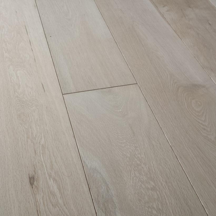 Untreated 'Country' engineered oak flooring 180mm x 14mm